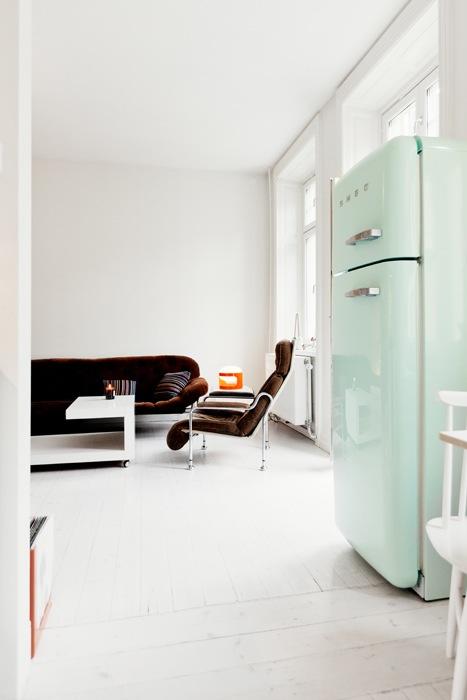 tendance le frigo smeg frenchy fancy. Black Bedroom Furniture Sets. Home Design Ideas