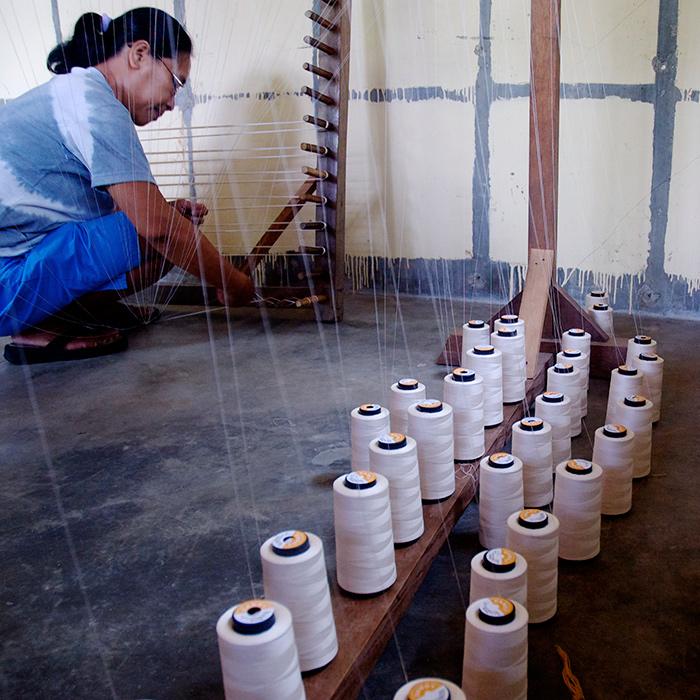 Atelier de tissage aux Philippines