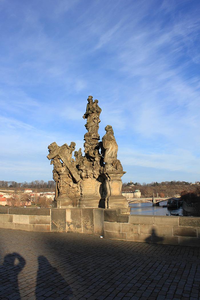 Sculptures sur le Pont Charles