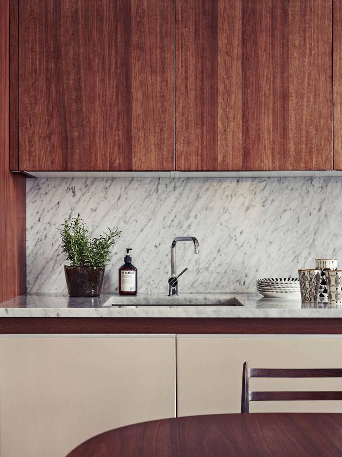 Cuisine en bois et marbre