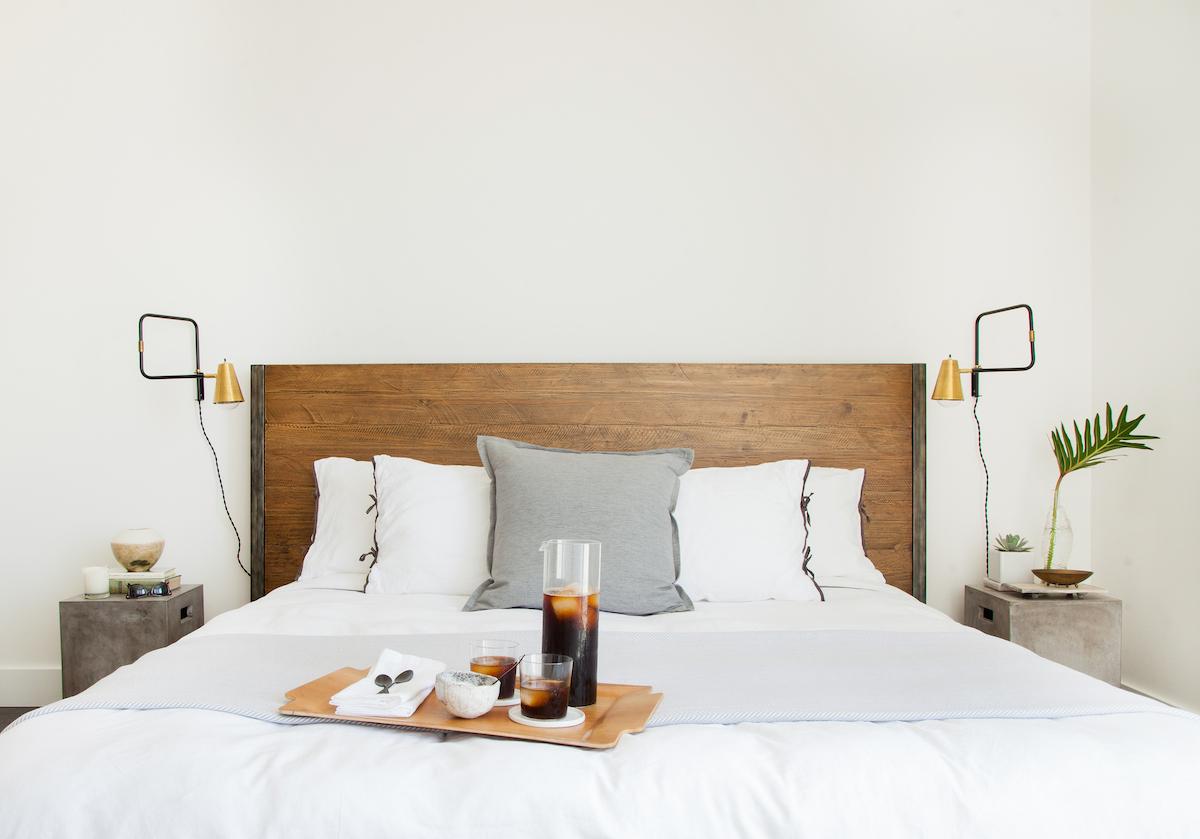 Tête de lit en bois de récupération