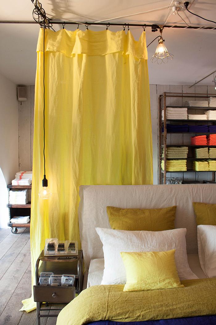 Collection de linge de lit en lin chez Merci