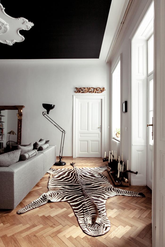 Chez laura cr atrice de l 39 atelier karasinski frenchy fancy for Plafond peint en noir