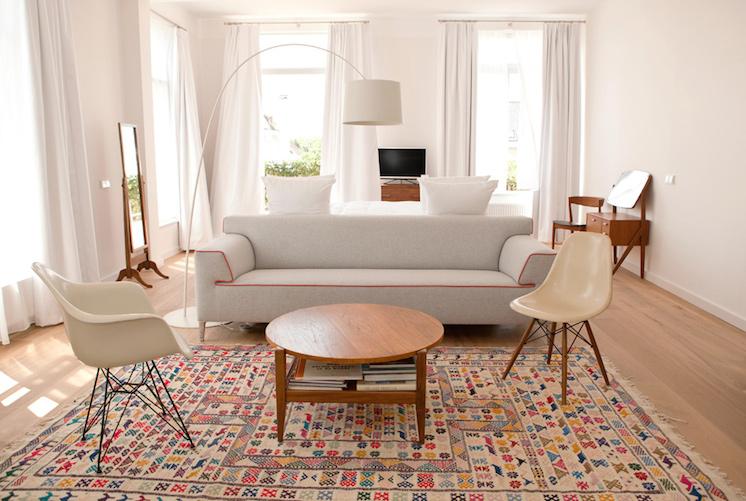 Préférence Réveiller une ambiance minimaliste par une touche de couleur  AQ22