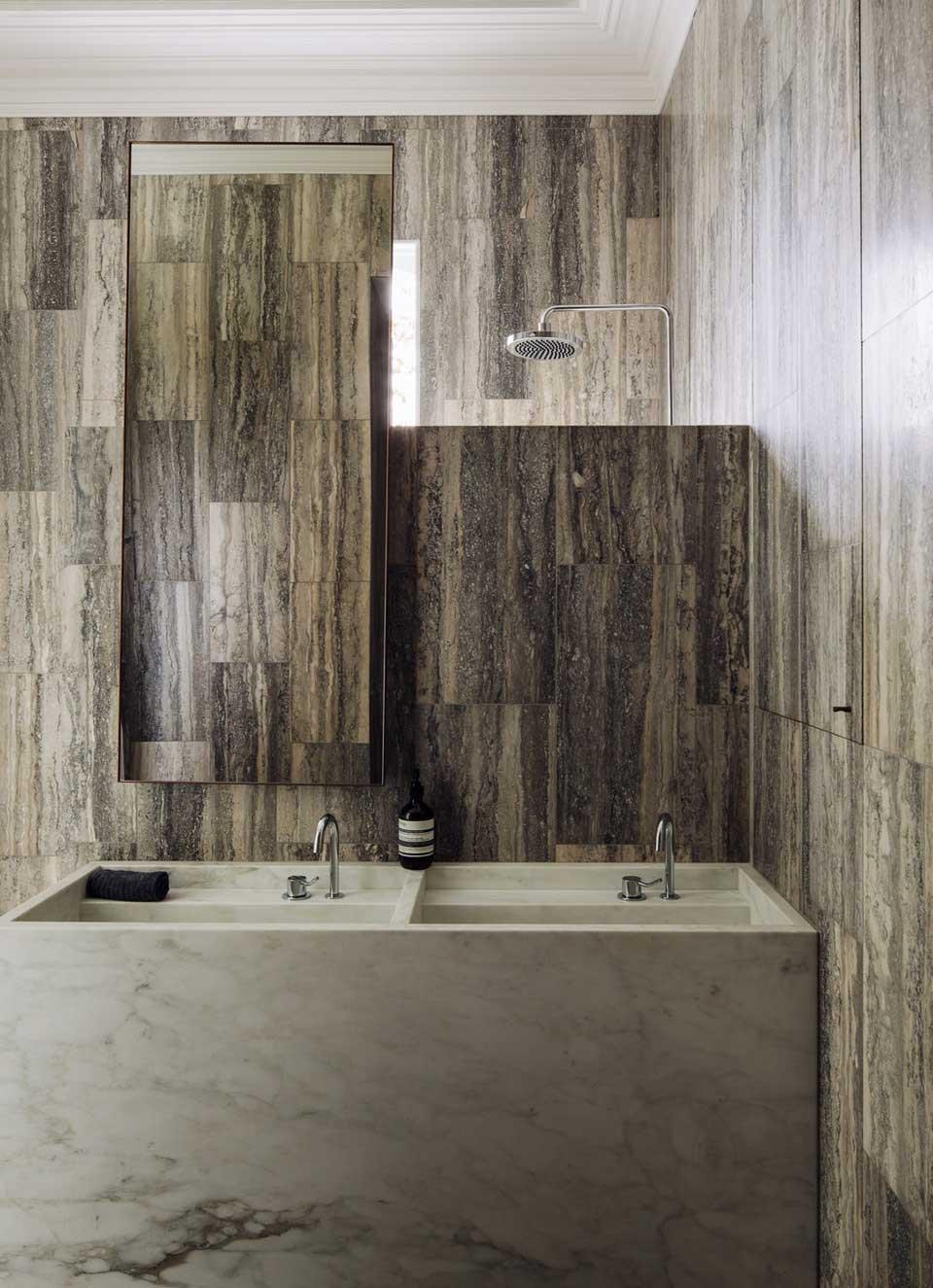 Ambiance minérale dans la salle de bain