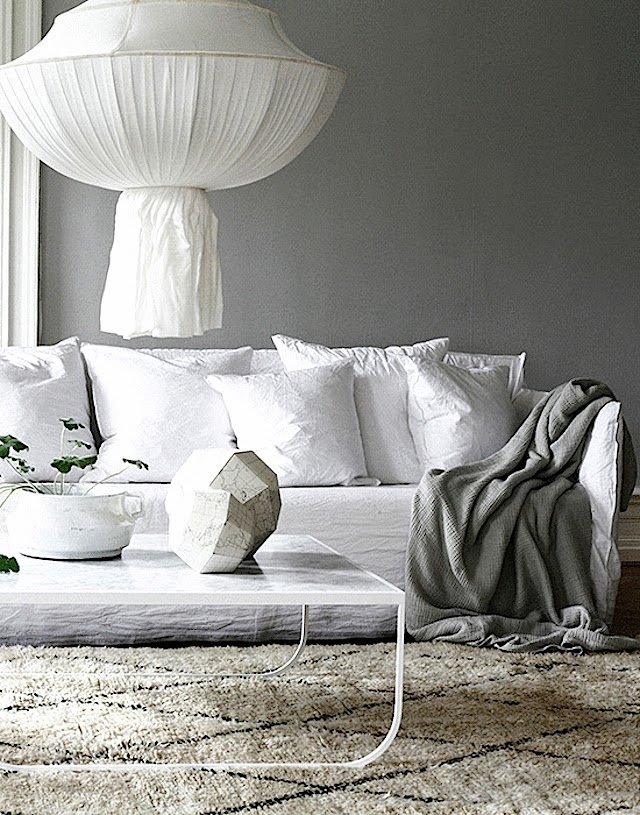 Tendance le canap ghost par paola navone frenchy fancy for Canape ghost paola navone