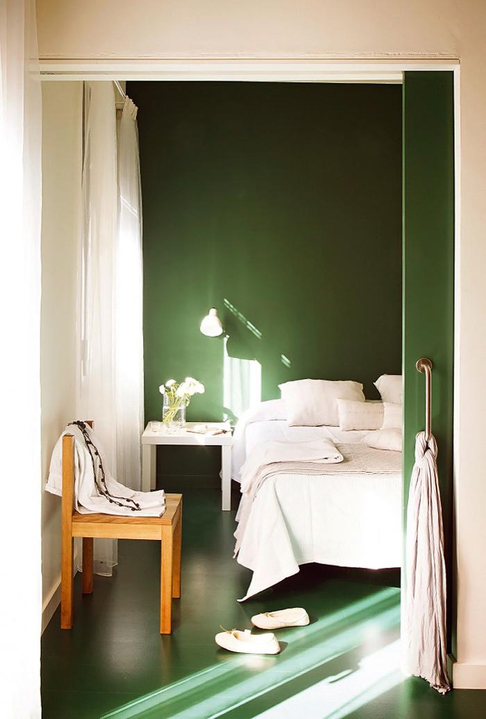 Chambre mur vert émeraude
