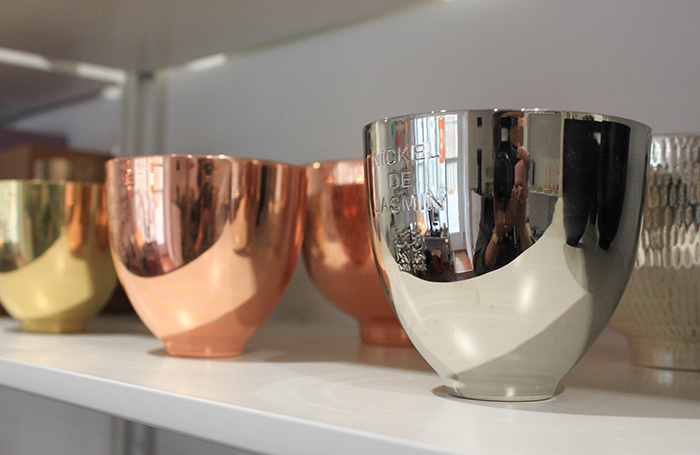Bougie métallique en cuivre chez Oranjade