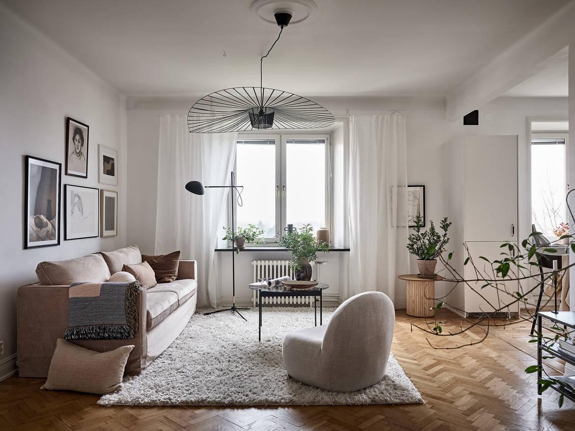 Suspension Vertigo dans salon scandinave