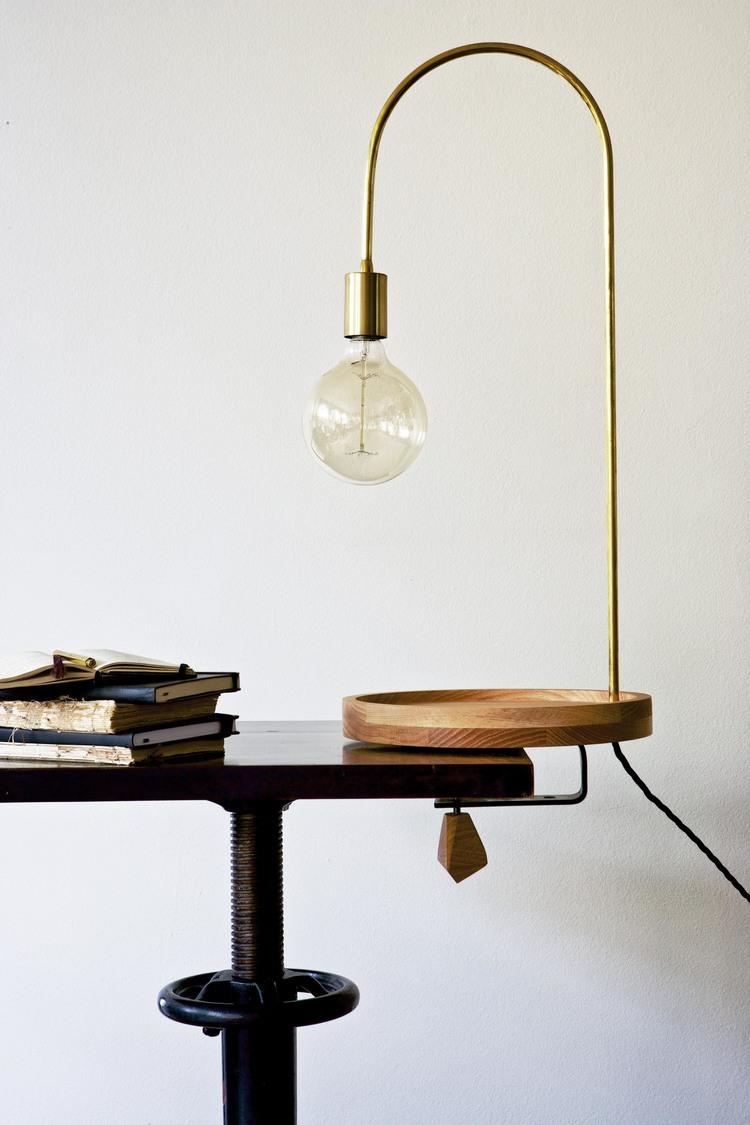 Lampe en bois et laiton doré