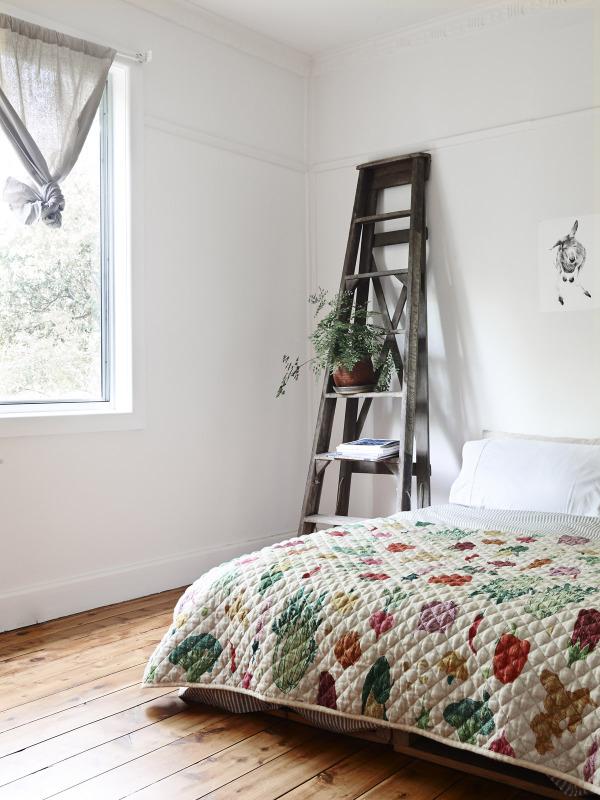 Idée déco avec une échelle en bois vintage
