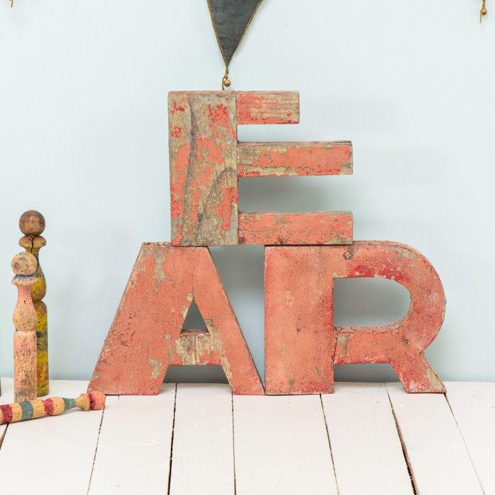 Lettres en bois chez Le petit Florilège