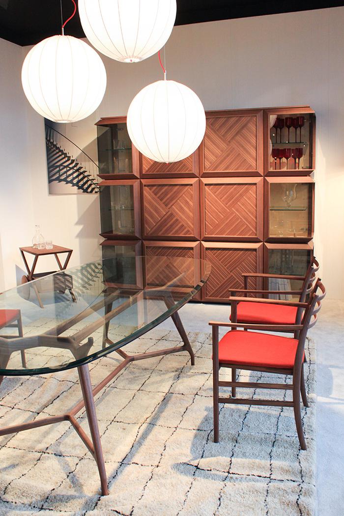 Table de repas en verre et bois