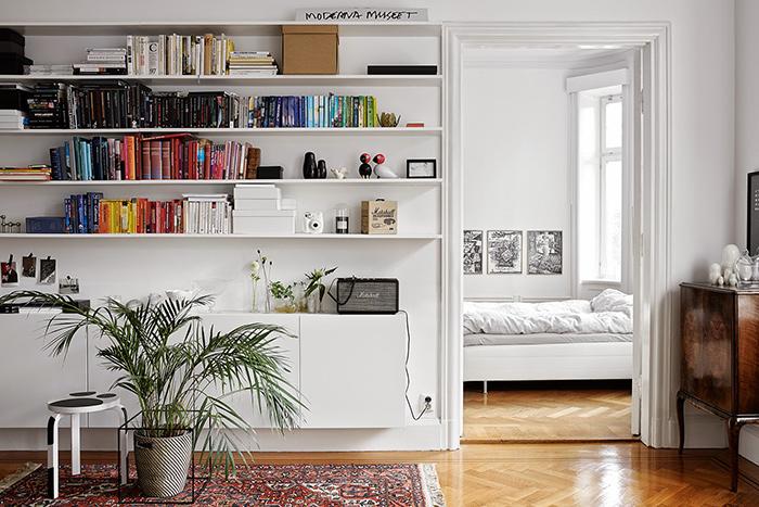 Idée déco : ranger ses livres par couleur