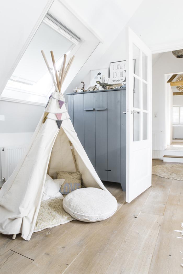 Du gris et du blanc pour un petit enfant frenchy fancy - Deco chambre gris blanc ...