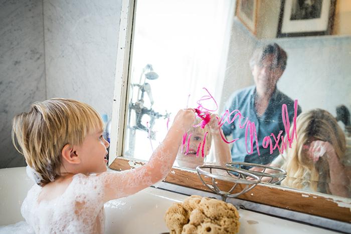 Aménagement salle de bain avec carreaux de marbre