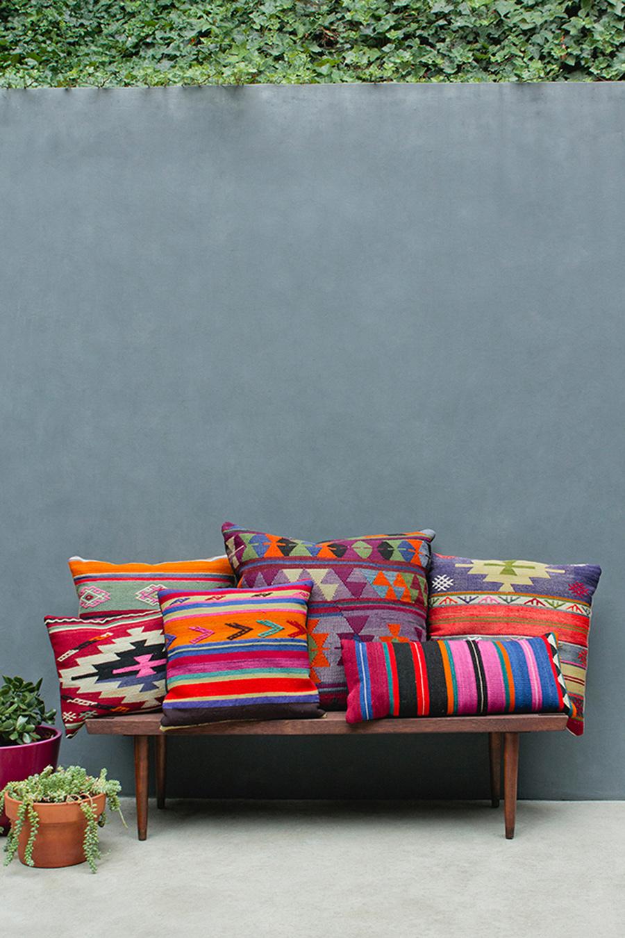 Décoration colorée pour une terrasse