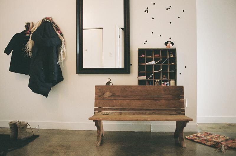 Petit banc en bois vintage