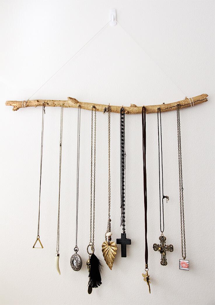 5 id es pour d corer avec des branches frenchy fancy for Decoration originales porte
