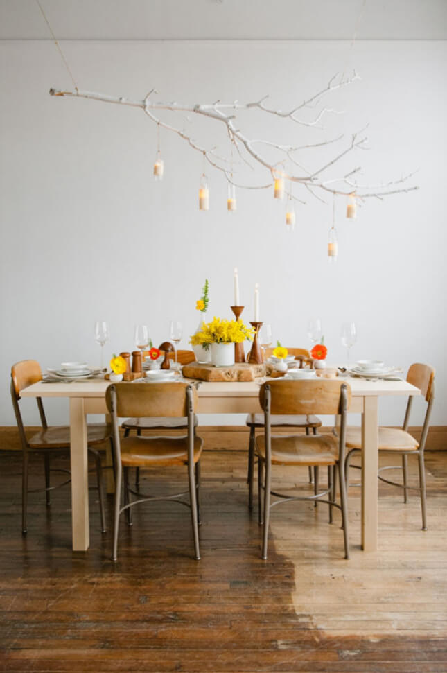 5 id es pour d corer avec des branches frenchy fancy for Table suspendue au plafond