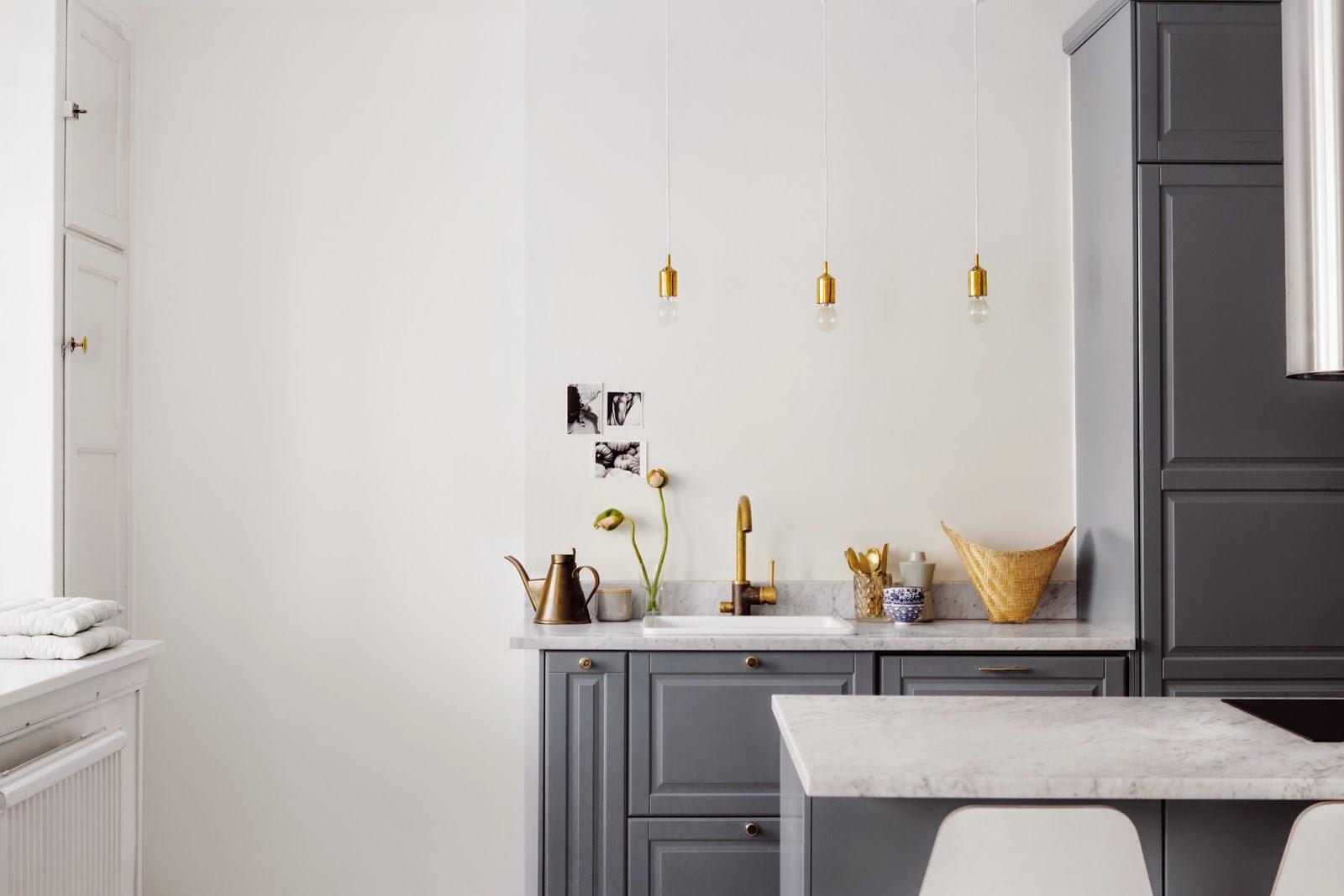 Une cuisine en marbre et or