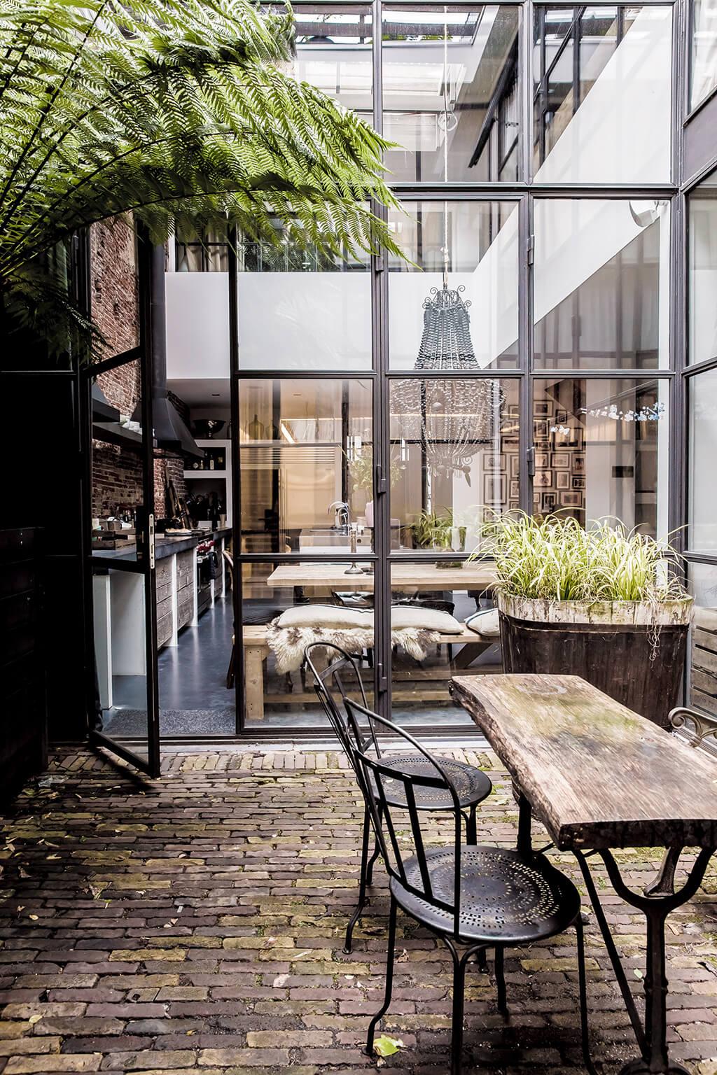 Loft style industriel avec verrière style atelier d'artiste