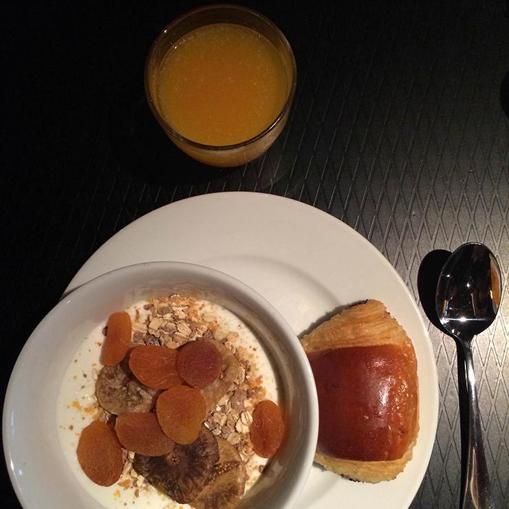 Petit déjeuner continental hôtel paris