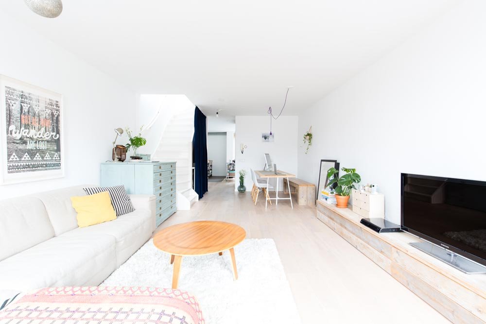 Un appartement plein de douceur for Charme scandinave meubles