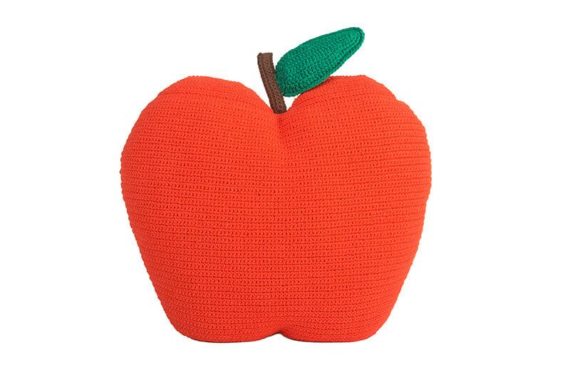 tendance-crochet-deco-Anne-Claire-Petit-coussin-fruit-FrenchyFancy-1