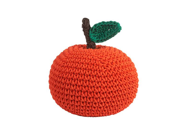 tendance-crochet-deco-Anne-Claire-Petit-coussin-fruit-FrenchyFancy-3