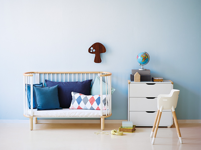 Lit b b design scandinave for Orientation du lit pour bebe