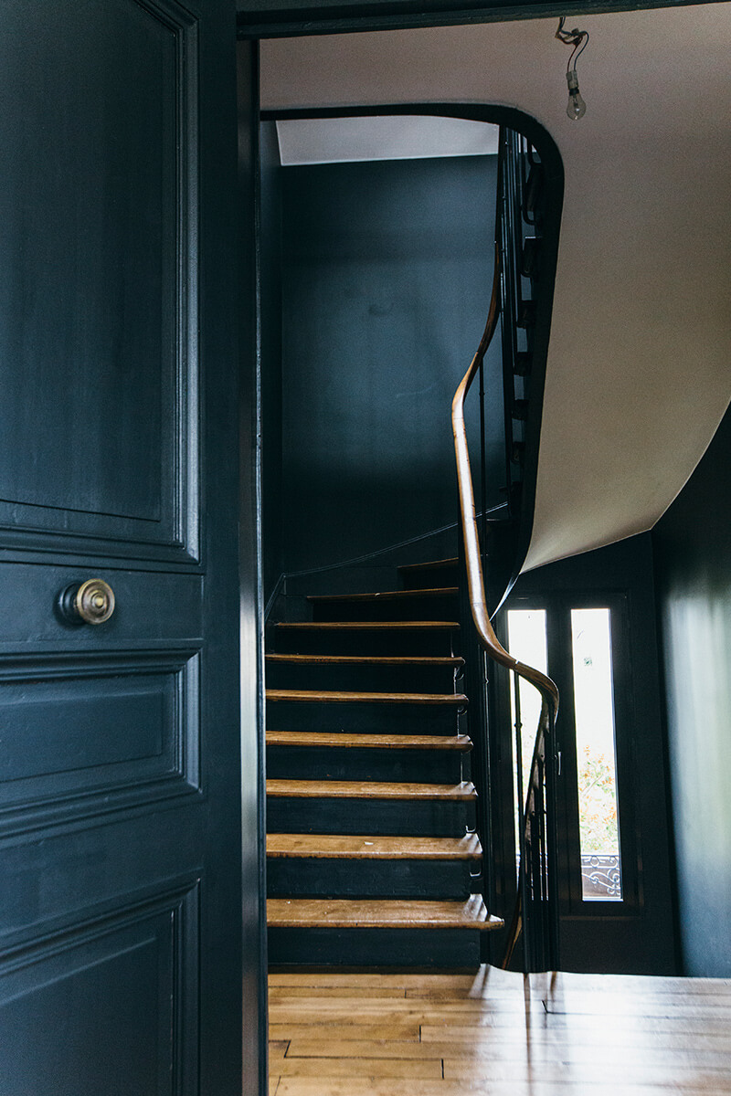 Nuances de bleu style industriel frenchy fancy for Peindre un escalier en gris