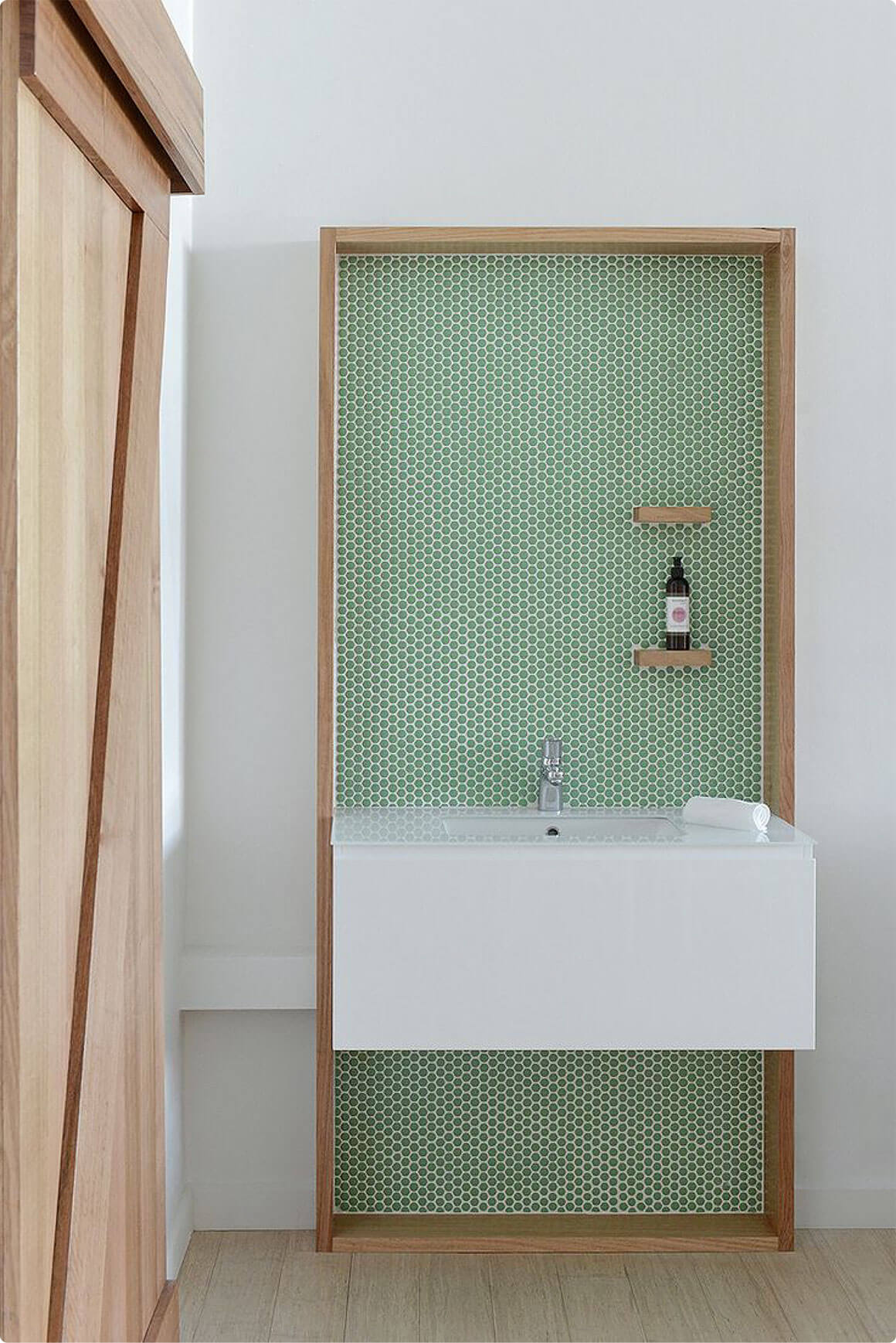 Carrelage vert dans la salle de bain