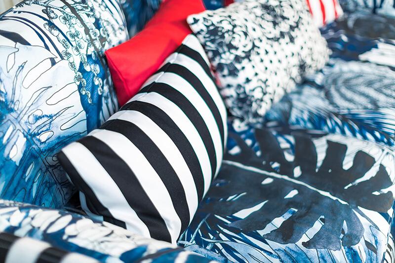 Relooker un canapé Ikea avec des tissus Bemz