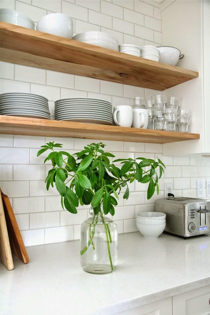 10 cuisines avec des tag res ouvertes frenchy fancy for Modele de cuisine avec etagere