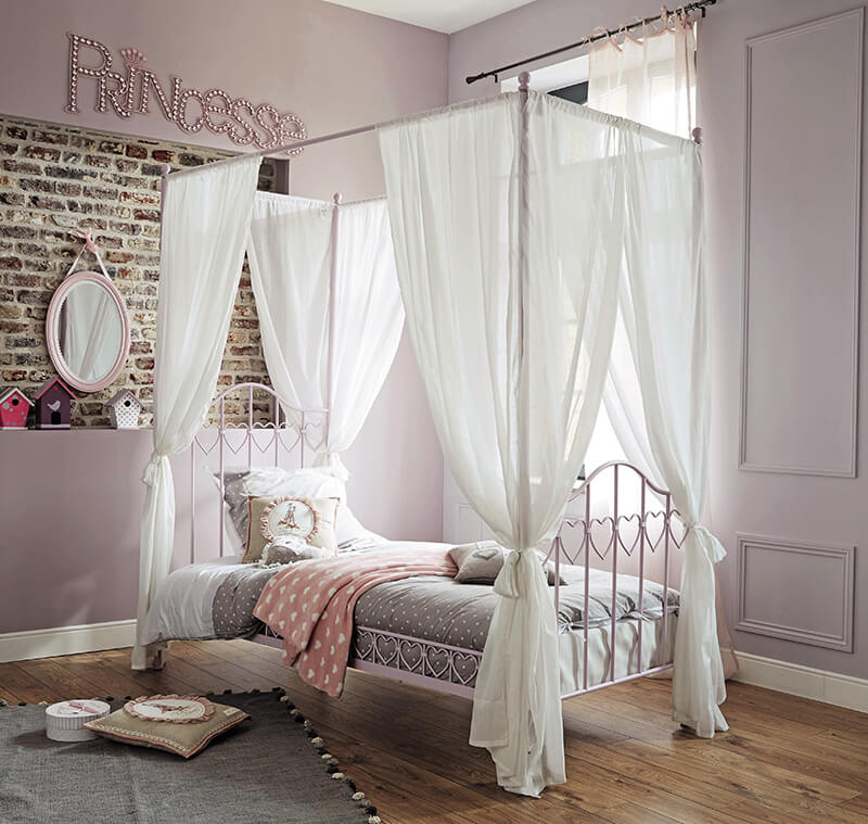 Maisons du monde la collection kids frenchy fancy - Lit baldaquin fait maison ...