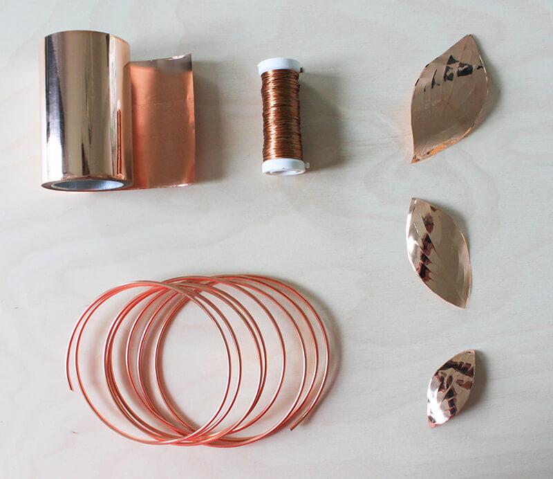 DIY : une couronne de feuilles en métal - FrenchyFancy
