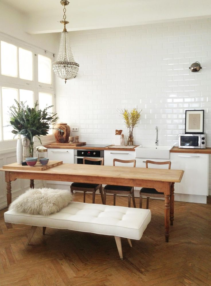 Un banc dans la cuisine frenchy fancy for Table de cuisine pour studio