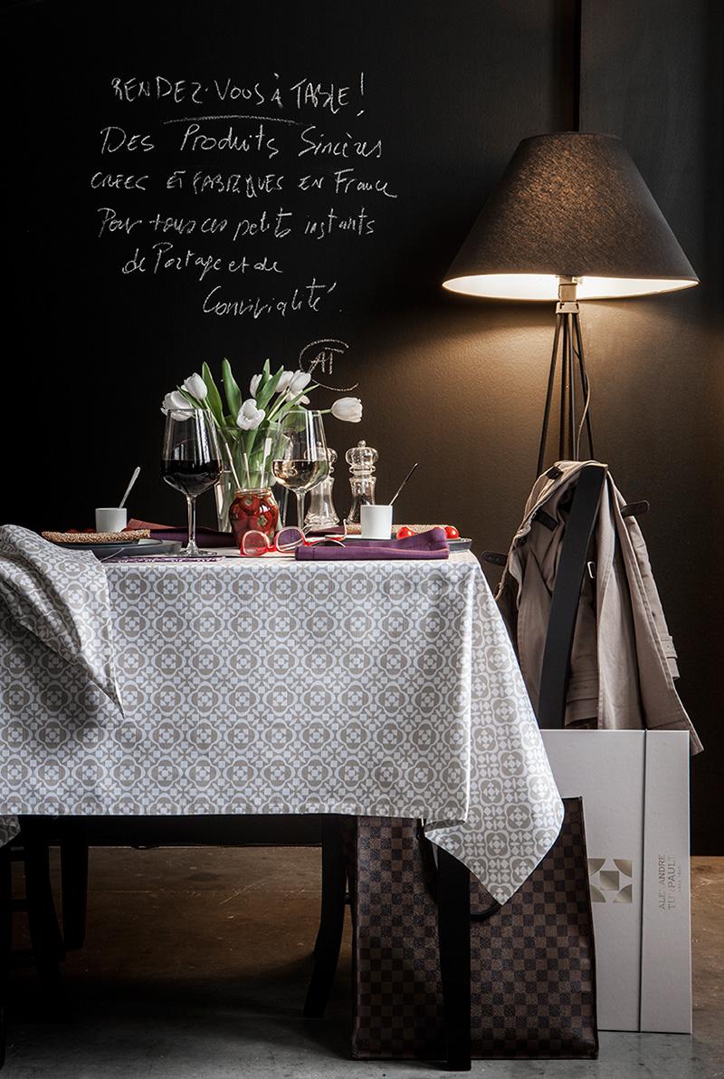 nappe moderne. Black Bedroom Furniture Sets. Home Design Ideas