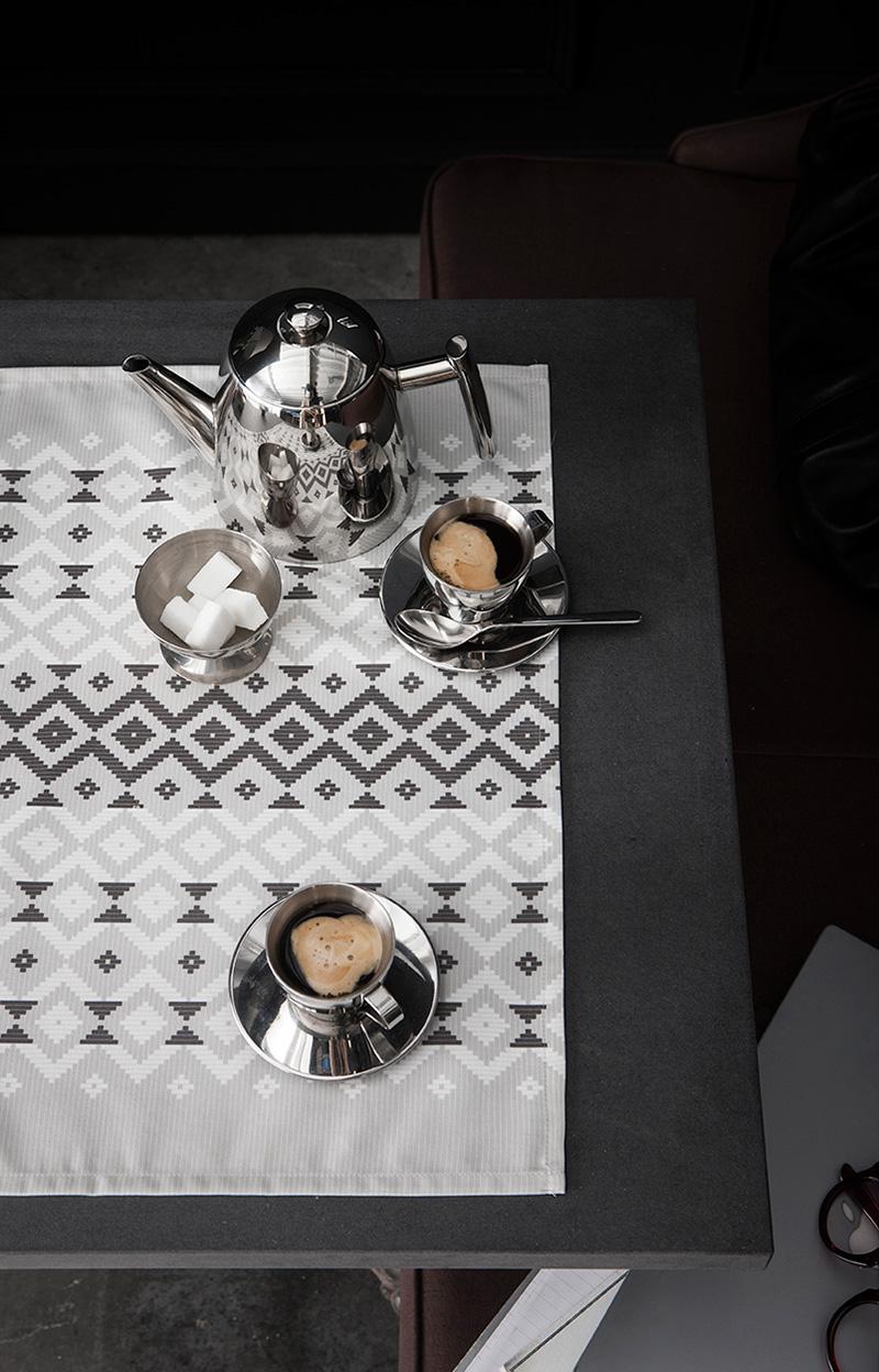 rendez vous table frenchy fancy. Black Bedroom Furniture Sets. Home Design Ideas