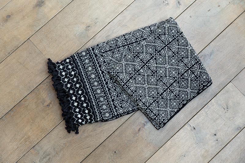 Aniza, des textiles de maison contemporains au style ethnique
