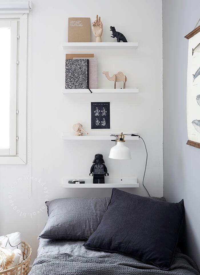 Mur gris dans une chambre d'enfant