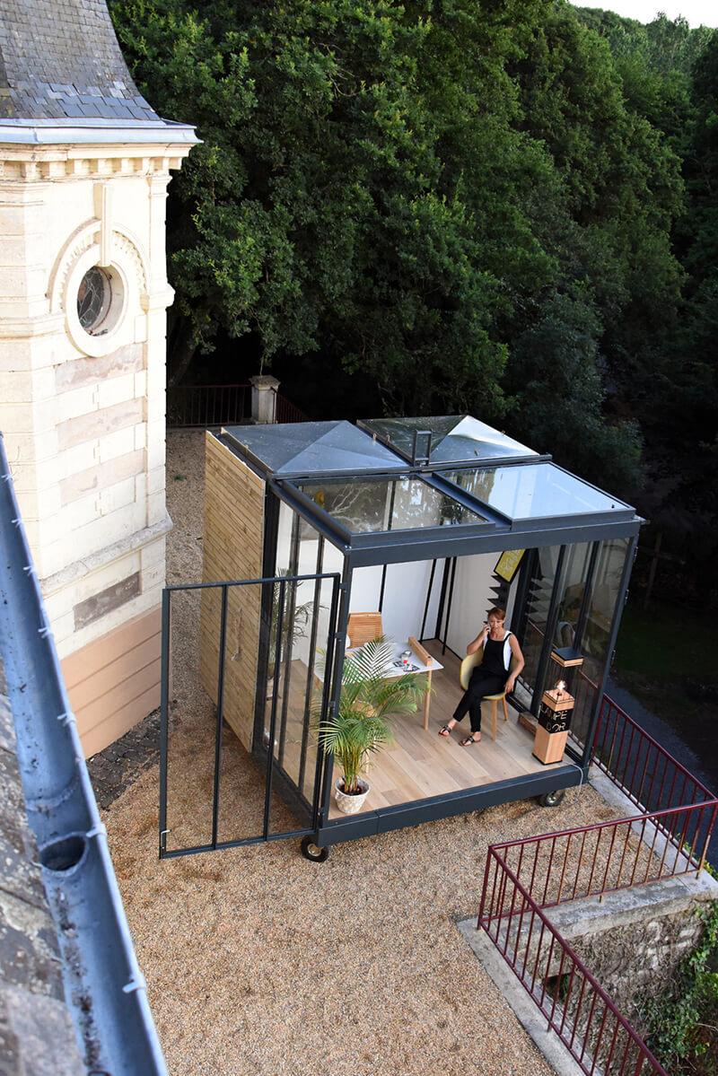 une extension contemporaine un cube dans mon jardin frenchy fancy. Black Bedroom Furniture Sets. Home Design Ideas