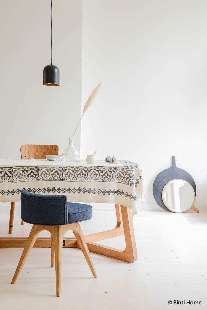Table en bois style nordique