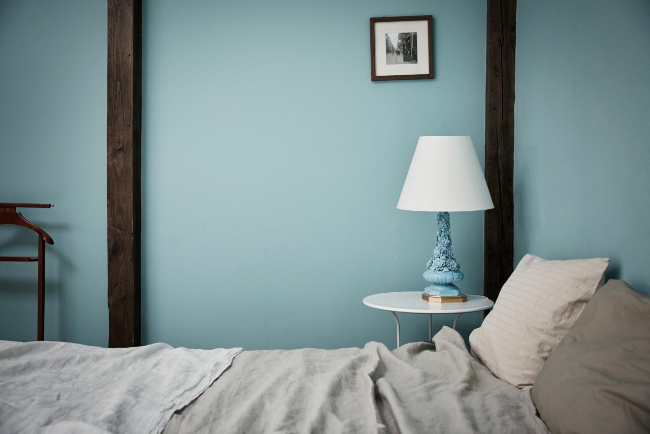 Chambre peinture mur bleu