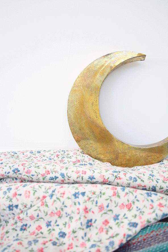 In love with : le croissant de Lune en cuivre oxydé