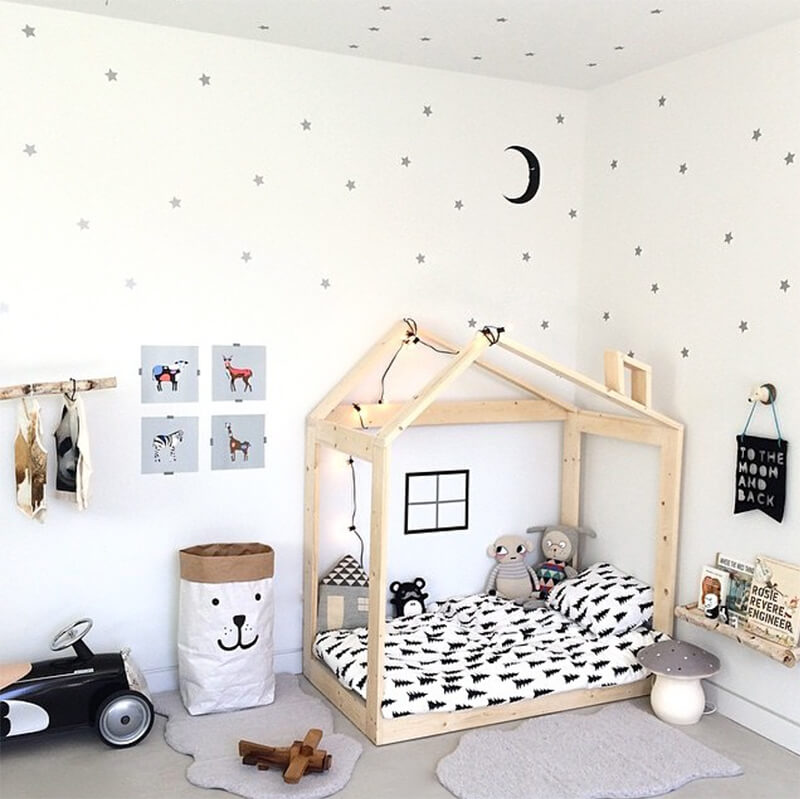 10 chambres d 39 enfants au look black white frenchy fancy - Lit enfant cocktail scandinave ...