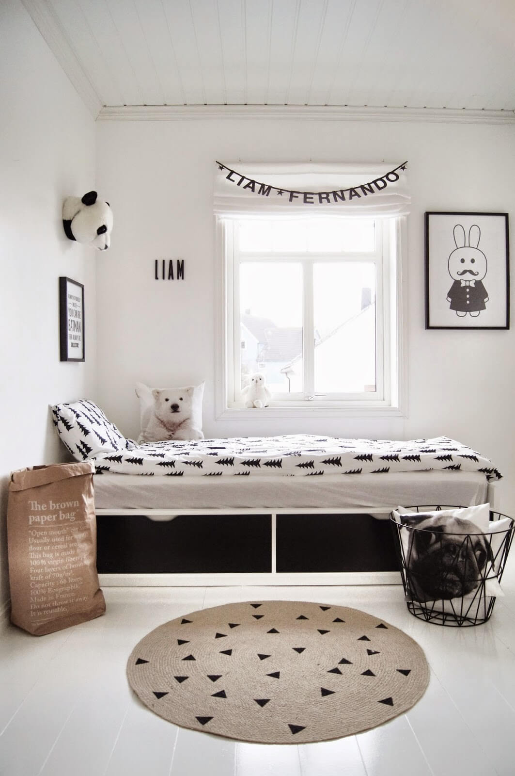 chambre enfant look noir blanc deco scandinave nordique. Black Bedroom Furniture Sets. Home Design Ideas