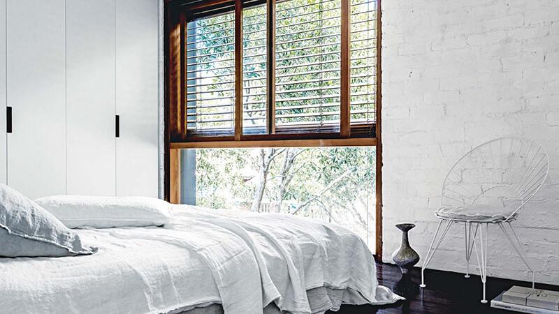 deco-interieur-blanc-béton-bois-matieres-brutes-style-loft-FrenchyFancy-7
