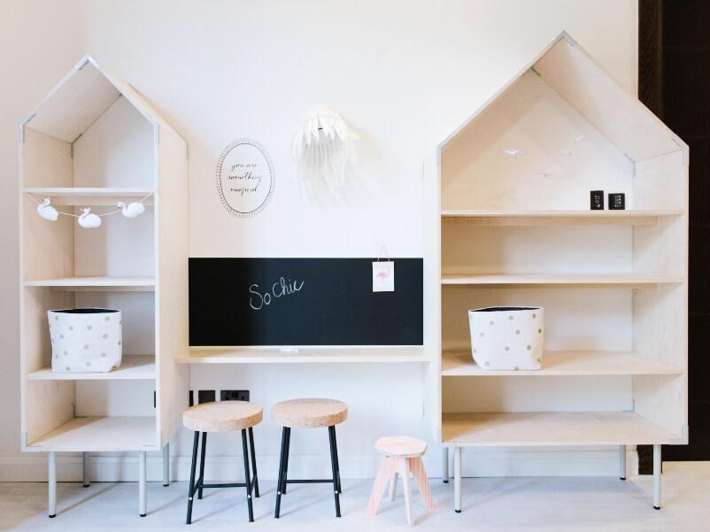 Meuble en forme de maison